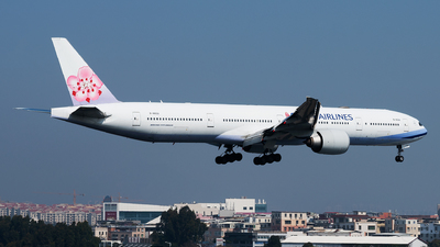 B-18002 - Boeing 777-309ER - China Airlines