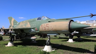 1953 - Mikoyan-Gurevich MiG-21bis Fishbed L - Hungary - Air Force
