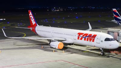 PT-MXO - Airbus A321-231 - TAM Linhas Aéreas