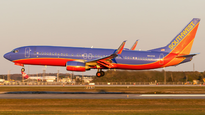 N8605E - Boeing 737-8H4 - Southwest Airlines
