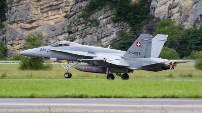 J-5009 - McDonnell Douglas F/A-18C Hornet - Switzerland - Air Force
