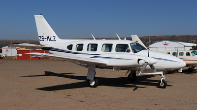 ZS-MLZ - Piper PA-31-310 Navajo - Private
