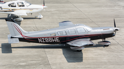 A picture of N288WE -  - [328324008] - © OSCAR GUILLEN
