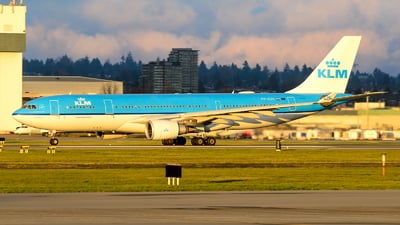 A picture of PHAOC - Airbus A330203 - KLM - © Chung Kwok