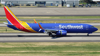 N8699A - Boeing 737-8H4 - Southwest Airlines