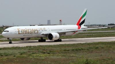 A6-ECR - Boeing 777-31HER - Emirates