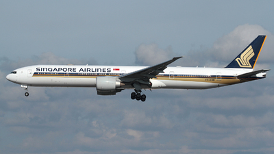 A picture of 9VSNB - Boeing 777312(ER) - Singapore Airlines - © R. Eikelenboom