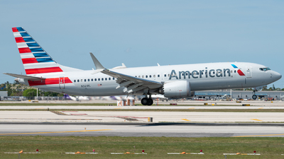 A picture of N321RL - Boeing 737 MAX 8 - American Airlines - © Sean Payne