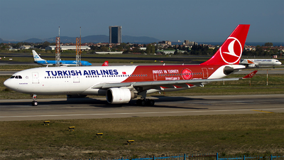 TC-JIZ - Airbus A330-223 - Turkish Airlines
