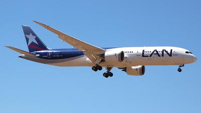 A picture of CCBGI - Boeing 7879 Dreamliner - LATAM Airlines - © Claudio Pérez