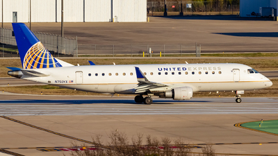 A picture of N750YX - Embraer E175LR - United Airlines - © Centex Spotter