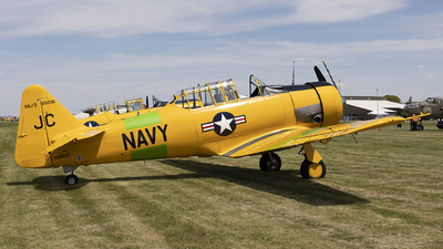 N9805C - North American SNJ-5 Texan - Private