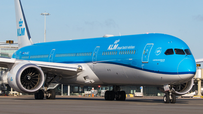 A picture of PHBKG - Boeing 78710 Dreamliner - KLM - © Justin Peeters