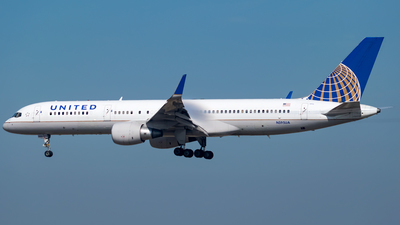 N595UA - Boeing 757-222 - United Airlines