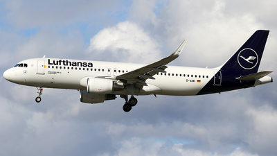 A picture of DAIWI - Airbus A320214 - Lufthansa - © AviaStar Photography