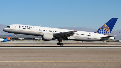 N540UA - Boeing 757-222 - United Airlines