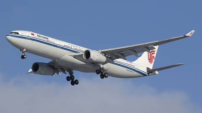 B-5947 - Airbus A330-343 - Air China