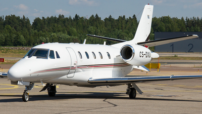 A picture of CSDXU - Cessna 560XLS Citation Excel - NetJets - © Teemu Pesonen