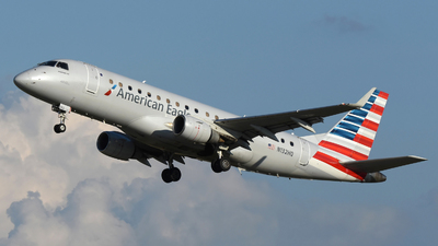 A picture of N132HQ - Embraer E175LR - American Airlines - © DJ Reed - OPShots Photo Team