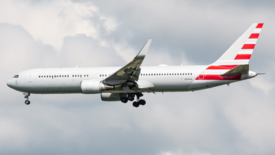 N344AN - Boeing 767-323(ER) - Untitled