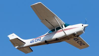 A picture of 4XCHZ - Cessna R182 Skylane RG II - [R18200161] - © Eyal Zarrad