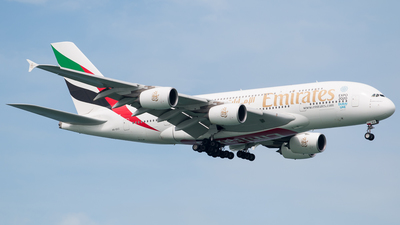 A6-EEZ - Airbus A380-861 - Emirates