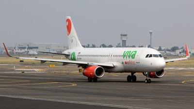 XA-VAQ - Airbus A320-232 - VivaAerobus