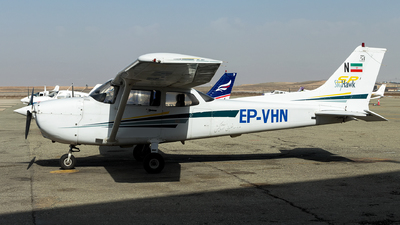 EP-VHN - Cessna 172S Skyhawk SP - Private