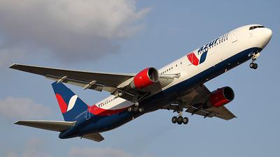 A picture of DAZUC - Boeing 76733A(ER) - [25535] - © Christian Schönfelder