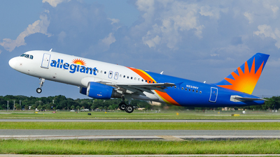 N233NV - Airbus A320-214 - Allegiant Air