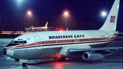 LN-SUP - Boeing 737-205 - Braathens SAFE