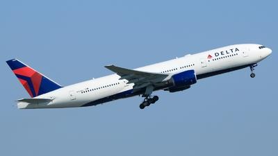 N865DA - Boeing 777-232(ER) - Delta Air Lines