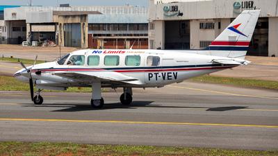 PT-VEV - Embraer EMB-821 Carajá - No Limits Taxi Aereo