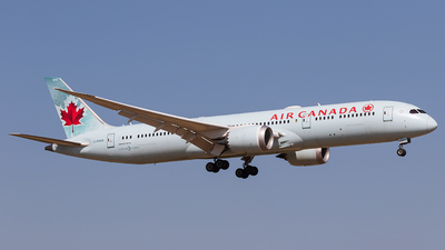 A picture of CFGHZ - Boeing 7879 Dreamliner - Air Canada - © walker2000