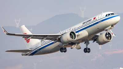 A picture of B305J - Airbus A320271N - Air China - © Yan Shuai