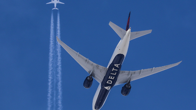 A picture of N707DN - Boeing 777232(LR) - Delta Air Lines - © Victor Pody