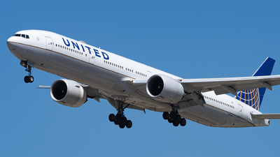 A picture of N2534U - Boeing 777322(ER) - United Airlines - © Haocheng Fang