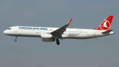 TC-JSS - Airbus A321-231 - Turkish Airlines
