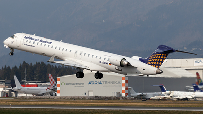 A picture of DACNF - Mitsubishi CRJ900LR - Lufthansa - © Borut