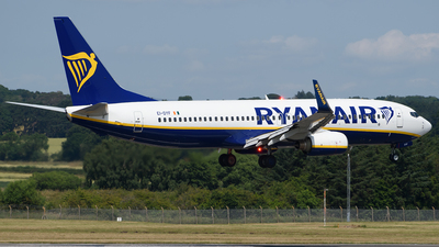 A picture of EIDYF - Boeing 7378AS - Ryanair - © Ian McGregor