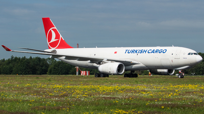 A picture of TCJDS - Airbus A330243F - Turkish Airlines - © Oliver Sänger