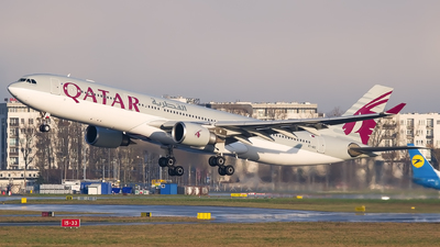 A7-AEC - Airbus A330-302 - Qatar Airways