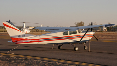 A picture of VHMPE - Cessna 210 Centurion - [57549] - © Wal Nelowkin