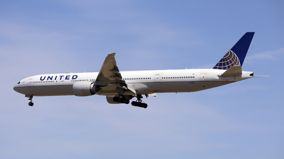 A picture of N2142U - Boeing 777322(ER) - United Airlines - © ZBAA HZT