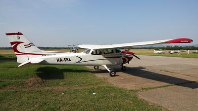 HA-SKL - Cessna 172M Skyhawk - Fly-Coop