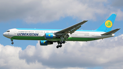 A picture of UK67004 - Boeing 76733P(ER) - Uzbekistan Airways - © Brian T Richards