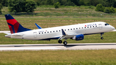 N297SY - Embraer 170-200LR - Delta Connection (SkyWest Airlines)