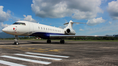 M-TYRA - Bombardier BD-700-1A11 Global 5000 - Private