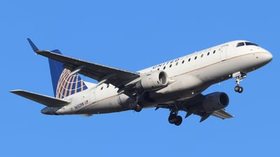 A picture of N652RW - Embraer E170SE - United Airlines - © Scotty Antico