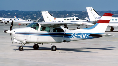 OE-KMY - Cessna T210N Turbo Centurion - Private